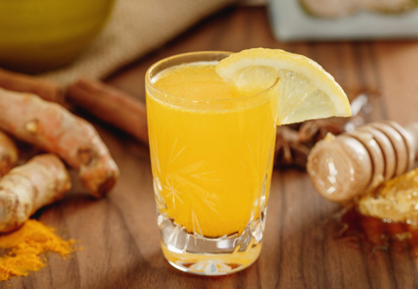 turmeric and lemon shot
