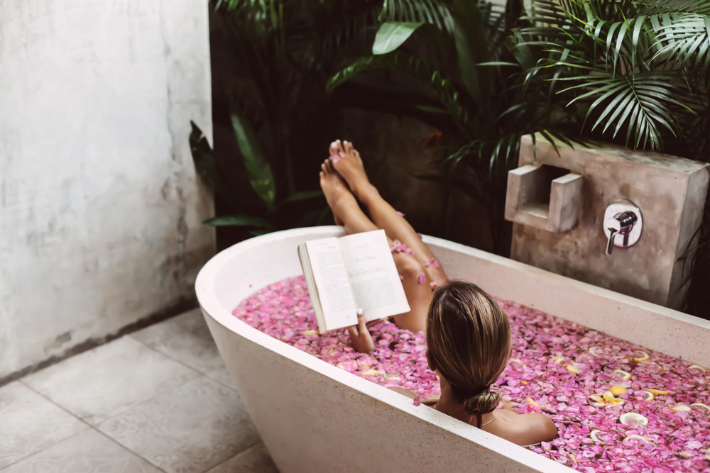 How To Bathe Yourself Beautiful