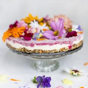 Flower_power_cake green kitchen stories