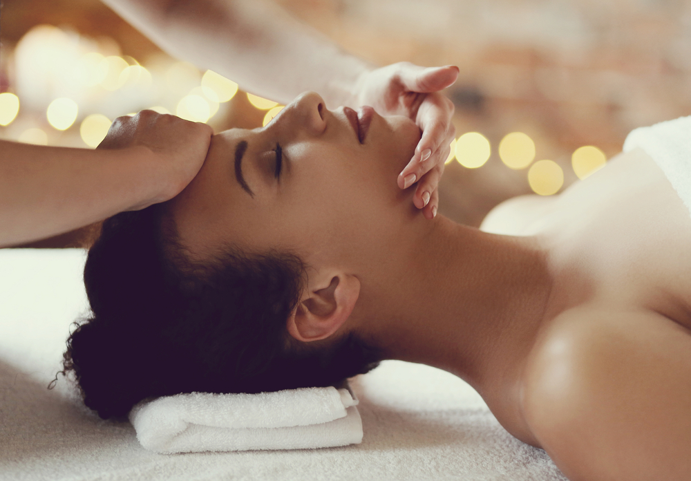 """We Tried A """"Holistic Facelift"""" And Here's Our Verdict..."""