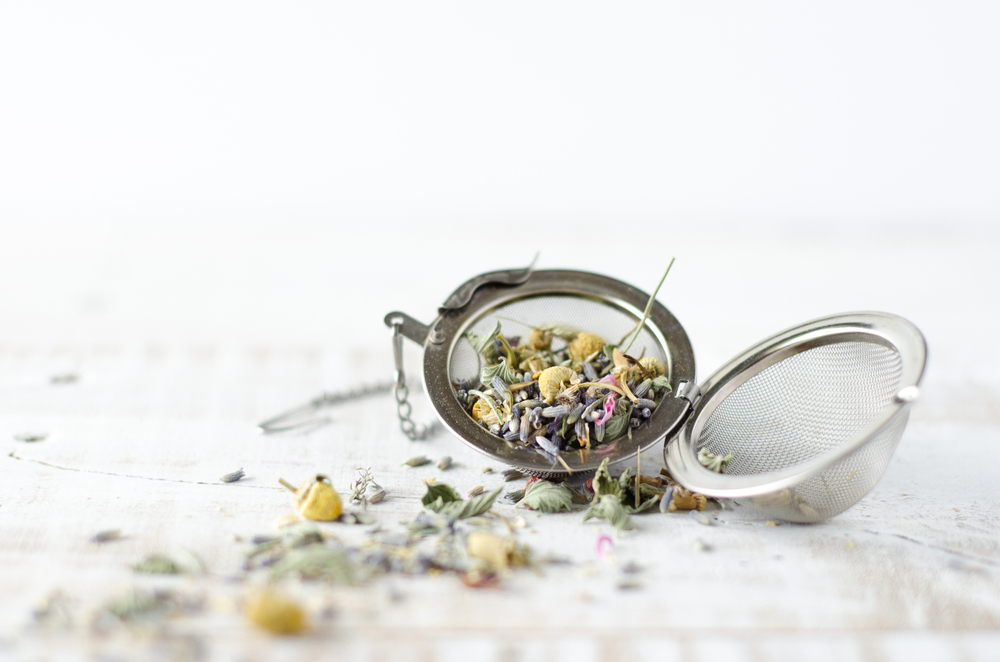 5 Nutritionists Reveal The Health-boosting Teas They Drink EVERYDAY